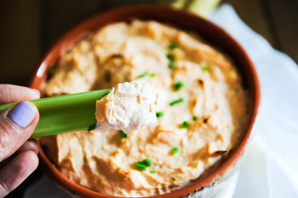easy keto buffalo chicken dip is an easy keto appetizer