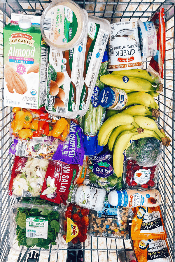 Looking for simple tips to help you keep eating healthy on a budget? healthy Lifestyle Blogger Momma Fit lyndsey is sharing her monthly meal plan to help you keep your grocery budget in line