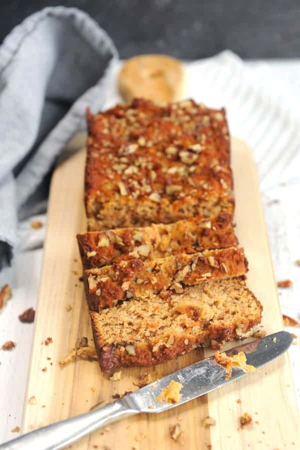 Looking for healthy easter brunch ideas? healthy Lifestyle Blogger Momma Fit lyndsey is sharing her favorite gluten free carrot cake breakfast bread