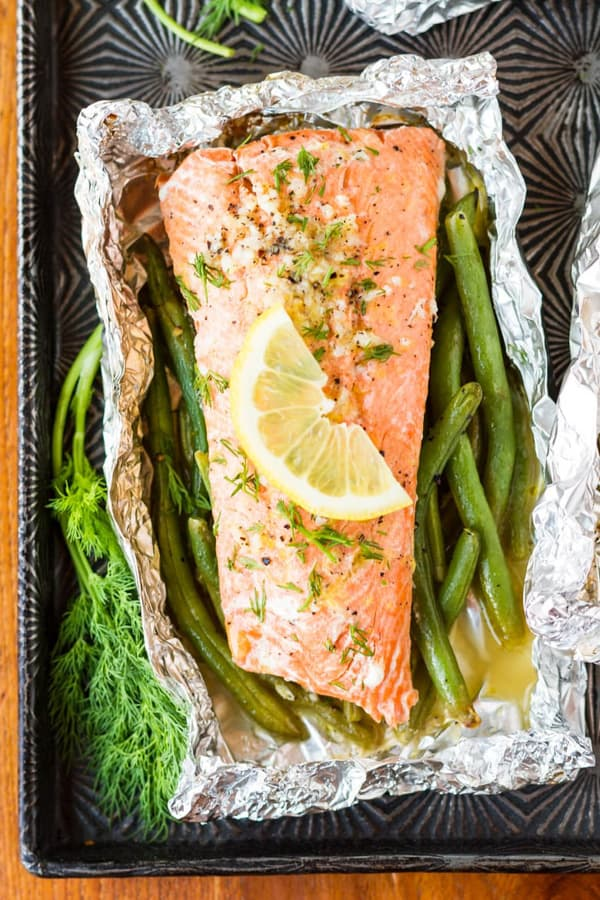 Looking for healthy summer dinner ideas? Healthy lifestyle blogger Momma Fit Lyndsey shares her favorite summer seafood recipes