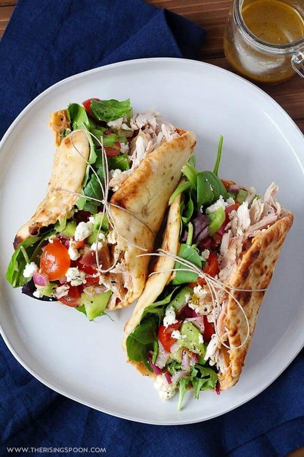 Looking for healthy summer lunch ideas? Healthy lifestyle blogger Momma Fit Lyndsey shares her favorite summer sandwich lunch idea