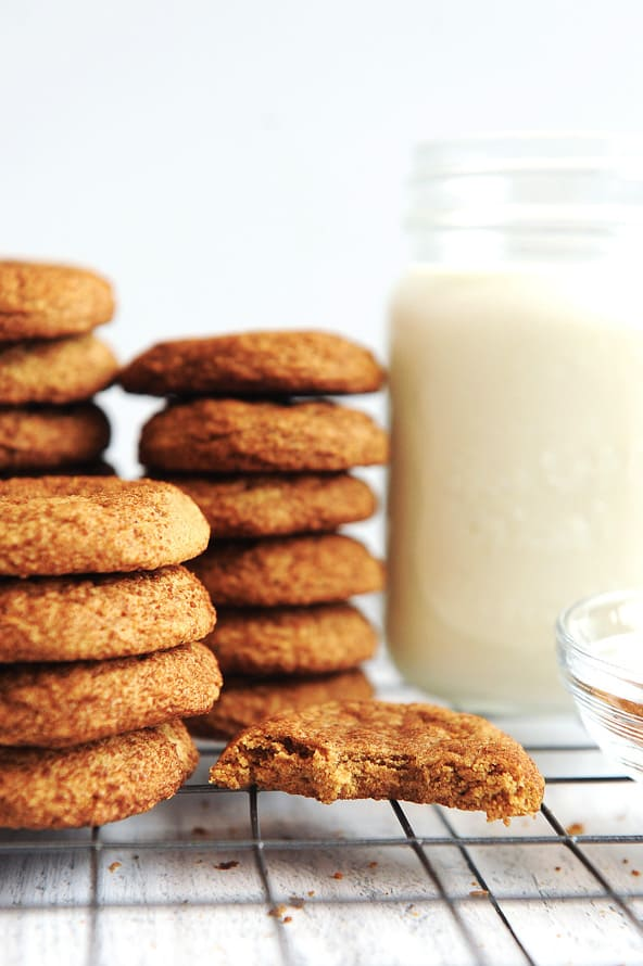 Gluten Free Snickerdoodles are easy to make with pumpkin spice and no cream of tartar. This recipe for pumpkin snickerdoodles makes soft and chewy cookies that are gluten free!