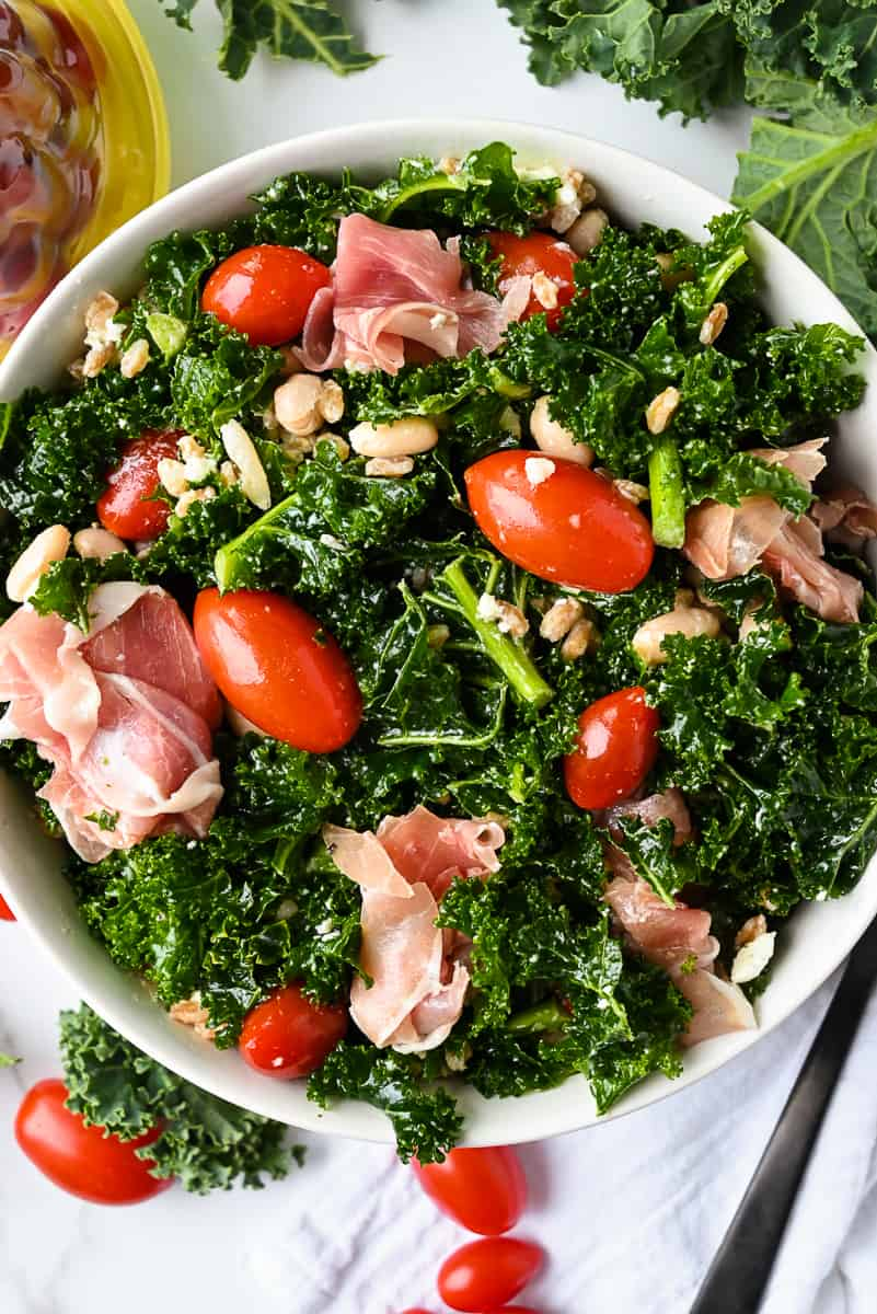 tomato kale salad with prosciutto