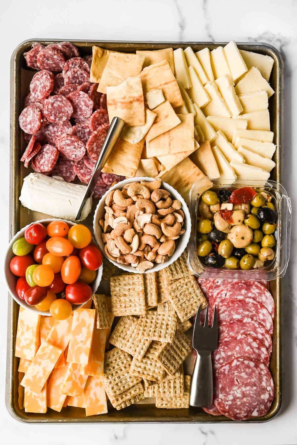 charcuterie board with items from aldi for under $25